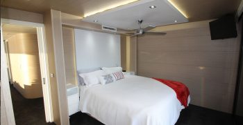 The Houseboat Factory 007 Master Bedroom