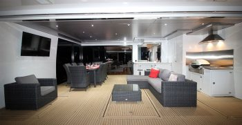 The Houseboat Factory 007 Outdoor Entertaining Area (2)