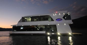 The Houseboat Factory 007 at Sunset (1)