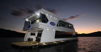 The Houseboat Factory 007 at Sunset (2)